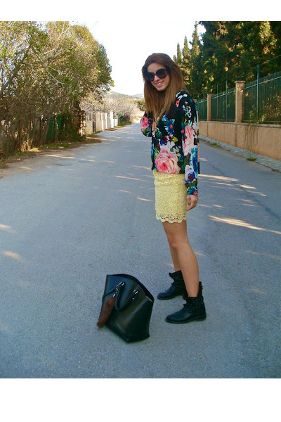 Zara skirt - Zara boots - H&M shirt - Zara bag - Prada glasses