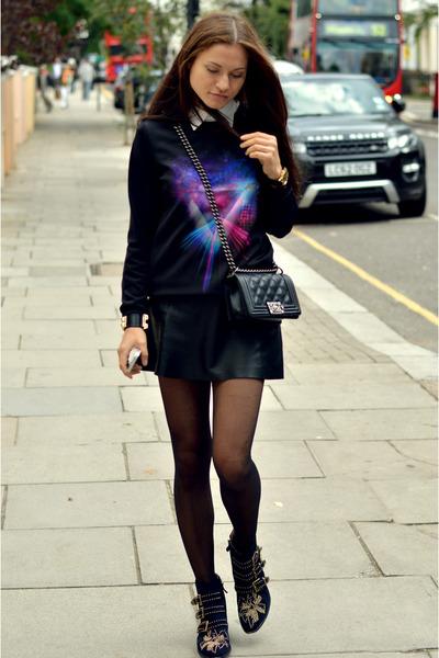 black studded suede Chloe boots - black shoulder boy Chanel bag