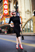 black coffin unique vintage bag - black cat eye Dolce & Gabbana sunglasses