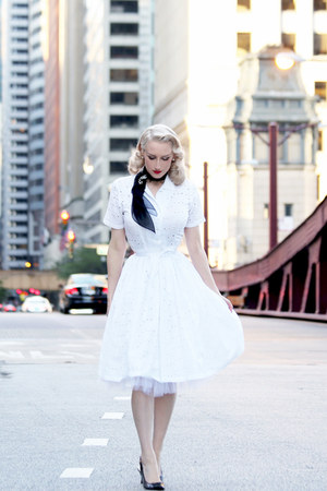 white vintage unique vintage dress - black nylon vintage scarf