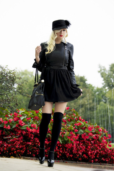 black tulle OASAP dress - black feather cap Juicy Couture hat