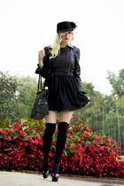 black tulle OASAP dress - black feather cap Juicy Couture hat