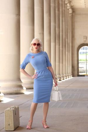 sky blue The Pretty Dress Company dress - pink Marilyn Eyewear sunglasses