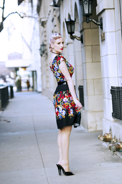 black floral Heart of Haute dress - black mules Flirty Lingerie heels