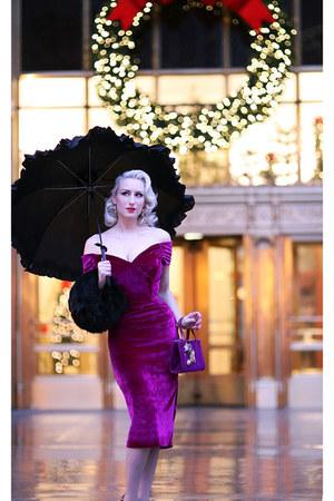 magenta velvet The Pretty Dress Company dress - magenta velvet Tuesdai bag