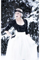 ivory tulle Shabby Apple skirt - black lace Lorraine Tyne accessories