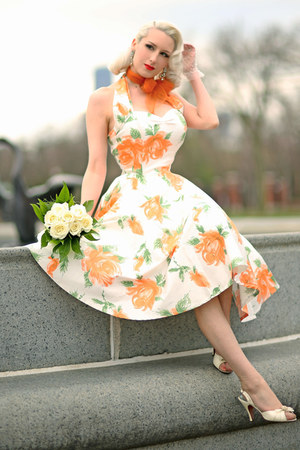 light orange floral Vivien Of Holloway dress