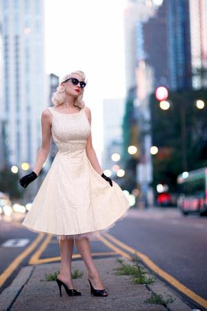 black Marilyn Eyewear sunglasses - ivory unique vintage dress