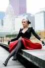 Black-old-dress-red-full-oasap-skirt