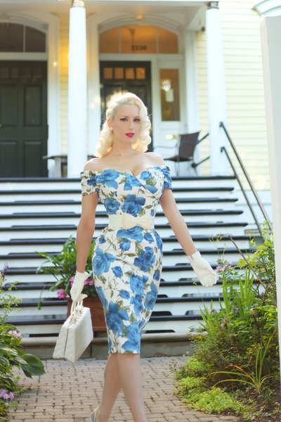 white bow unique vintage belt - sky blue floral The Pretty Dress Company dress