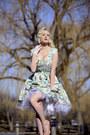 Aquamarine-floral-print-lady-vintage-dress-white-lace-flirty-lingerie-gloves