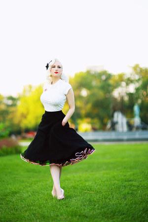 hot pink Secrets in Lace skirt - black unique vintage skirt
