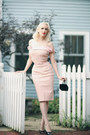 Light-pink-pencil-the-pretty-dress-company-dress-black-velvet-vintage-bag