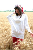 white ChiccaStyle sweater - red Zara pants