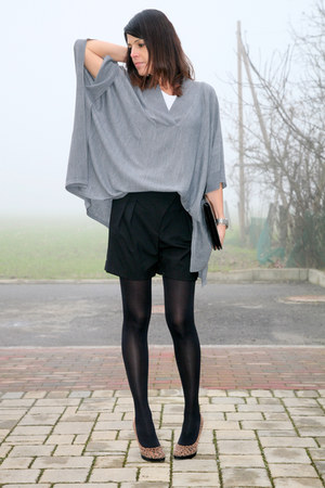 gray cotton ChiccaStyle sweater - black cotton Zara shorts - black Calzedonia so