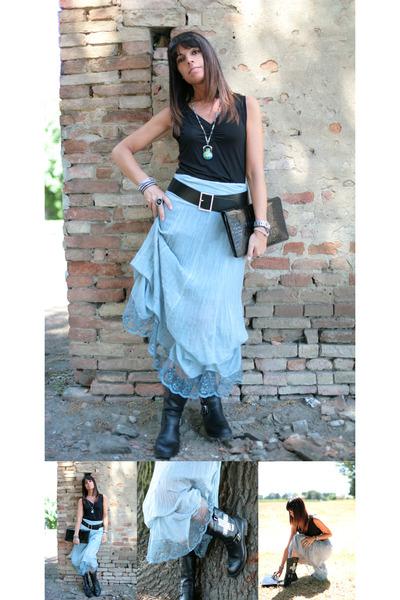 sky blue ChiccaStyle skirt - black no brand boots - black vintage bag