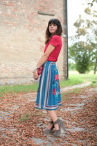 tan silk shoes - red liu jo t-shirt - blue vintage skirt