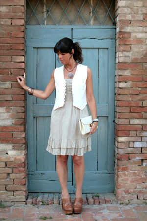 ChiccaStyle dress - vintage bag - vintage vest - Regina clogs