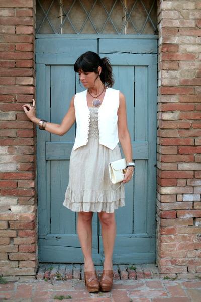 ChiccaStyle dress - vintage bag - vintage vest - Regina clogs