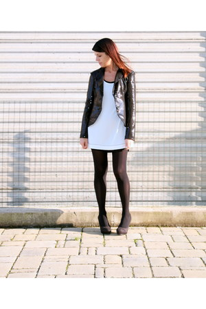 white viscose ChiccaStyle dress - black sequined ChiccaStyle blazer - black lycr
