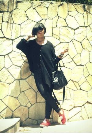 sm department store leggings - Parisians bag - Ray Ban sunglasses - thrifted top