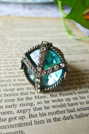 metal Chicwish ring