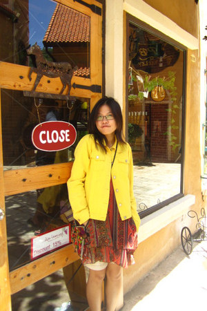 carrot orange granma dress - yellow second hand jacket - black form laos bag - n