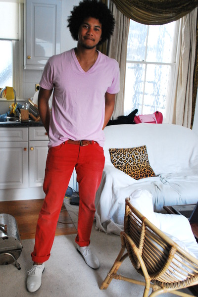 pink Gap t-shirt - white versace shoes - red H&M jeans - brown Levis belt