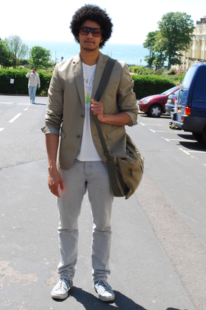 Gap blazer - Gap t-shirt - jeans - Converse shoes - H&M sunglasses