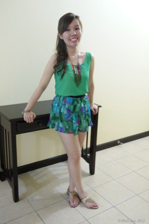 green shorts - green top - bronze Grendha sandals - bronze necklace