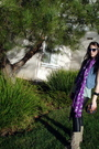 Wannabe-ray-bans-sunglasses-purple-american-eagle-scarf-green-top-black-ca