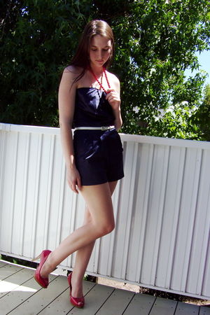 red vintage necklace - blue One Clothing - white belt - red Delicious shoes