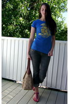 blue twilight t-shirt - blue American Eagle jeans - brown Dooney and Bourke purs