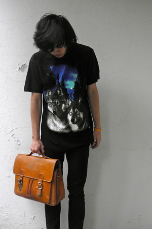 burnt orange leather vintage bag - black cotton vintage t-shirt
