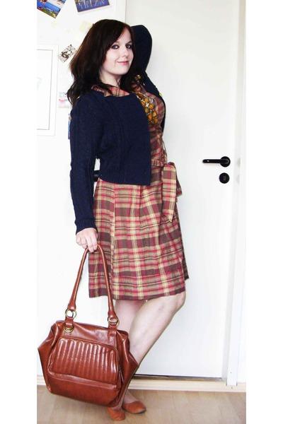 vintage dress - necklace - H&M jacket - Accessorize purse - thrifted shoes