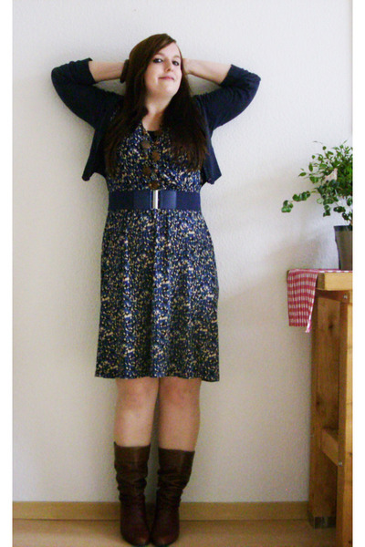 blue H&M dress - brown vintage boots