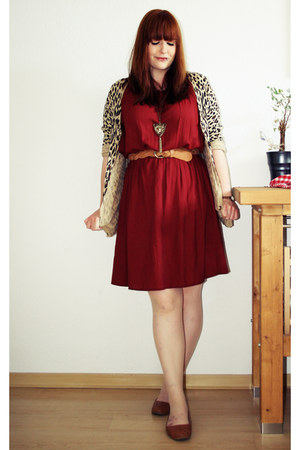brick red camaieu dress - brown H&amp;M belt - light brown H&amp;M cardigan
