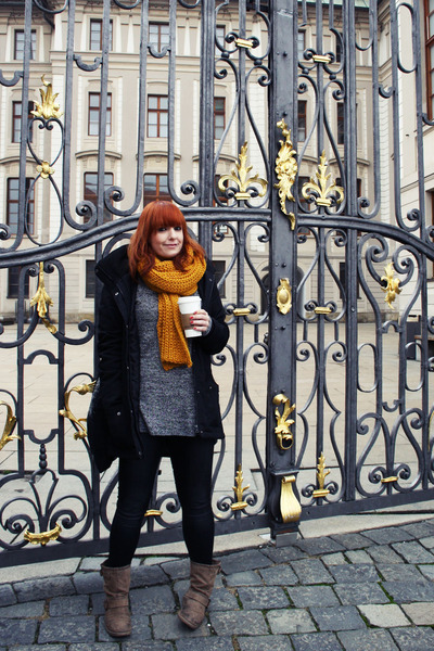 mustard Zara scarf