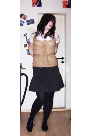 vintage via Ebay vest - thrifted blouse - Sublevel skirt - Accessorize - thrifte