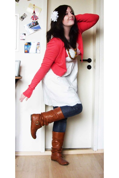 Vero Moda jacket - H&M dress - gestuz jeans - bullboxer shoes - Accessorize - Da