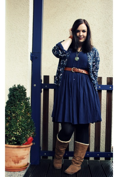 navy tricot dresses brown h m boots brown primark