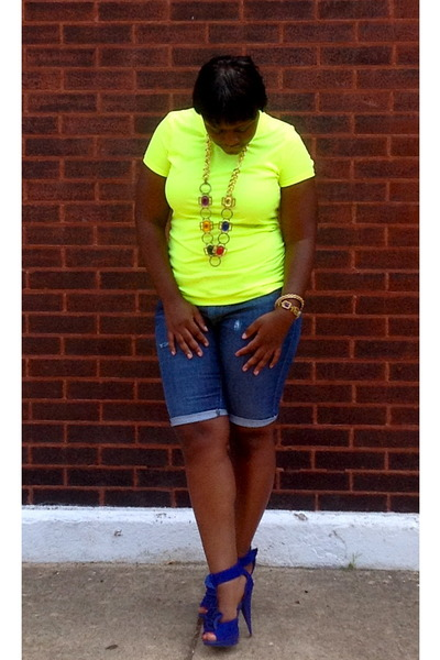 blue Steve Madden shoes - yellow neon shirt - diy Cutoff shorts