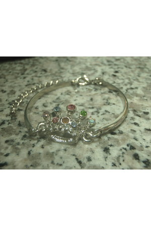 crown bracelet fron Taiwan accessories