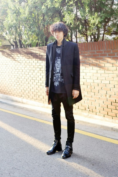 black dior homme boots - black Givenchy t-shirt