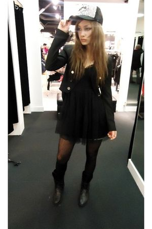 black GINA TRICOT jacket - black GINA TRICOT dress - black seppl shoes - black H