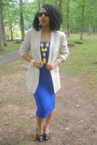 blue Secondhand skirt - beige J Crew blazer - black Steve Madden shoes