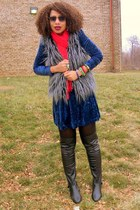 navy crushed velvet vintage dress - heather gray faux fur XXI jacket