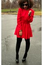 Red-vintage-dress-black-steve-madden-shoes