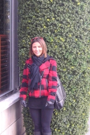 black leggings - black New Yorker t-shirt - black Zara boots - red c&a jacket -
