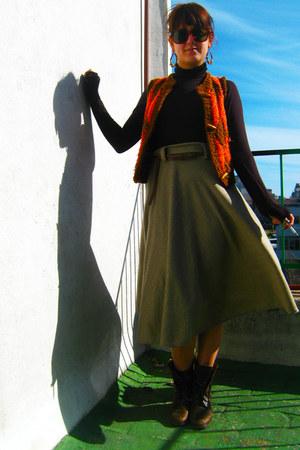 dark brown vintage boots - dark brown cotton shirt - homemade woolen vest